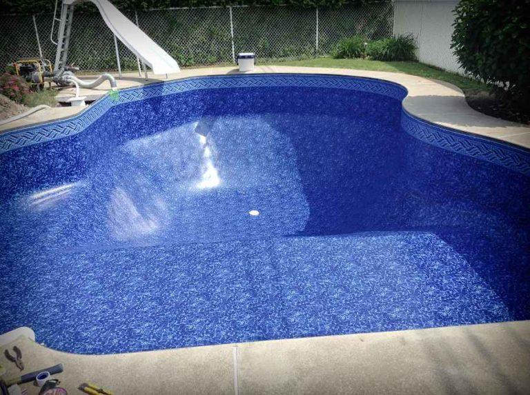 piscine avec toile